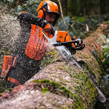 Stihl MS 500i in action